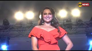 Sonakshi Sinha Fashion Show At Streax Fashion Week