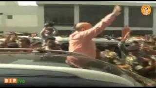BJP Karyakartas welcome Shri Amit Shah at Ahmedabad Airport: 29.03.2017
