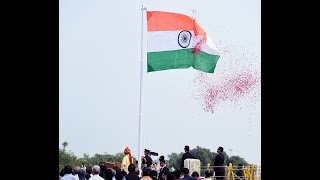 Prime Minister Shri Narendra Modi unfurls the tricolor at Red Fort, New Delhi.