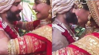 Sonam Kapoor & Anand Ahuja VARMALA Moment | Sonam Weds Anand