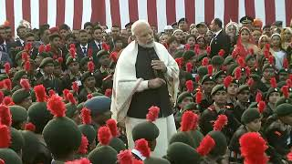 PM Shri Narendra Modi interacts with NCC cadets, NSS Volunteers and Tableaux Artist