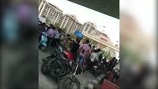 Clash between woman and policemen in surat got viral