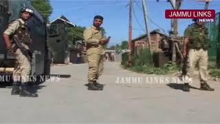 Cop killed during weapon snatching bid in Kashmir