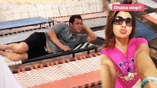 Salman Khan CHILLS At A DHABA In Jaisalmer | RACE 3 SHOOTING