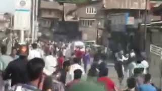 #NowhattaClashes Clashes and video of youth run over by CRPF Vehicle In Nowhatta Srinagar.