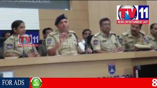 CYBERABAD CCS POLICE ARREST OLD OFFENDERS INVOLVED IN THEFT PRESS MEET TV11 NEWS 11TH AUG 2017