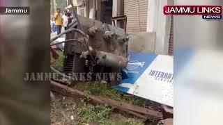 Mini-bus rams into power transformer, one injured