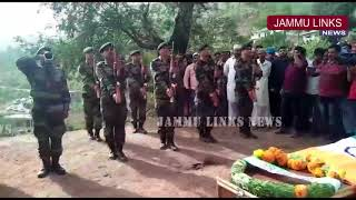 Thousands attend armyman Aurangzeb's last rites in Poonch