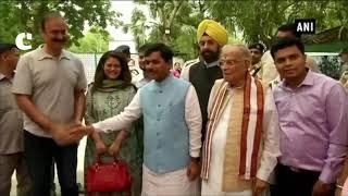 LK Advani, Rajnath Singh, MM Joshi attend Shahnawaz Hussain's Eid party
