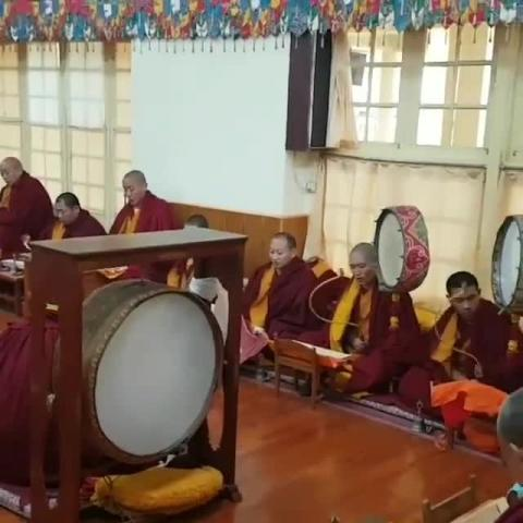 Dalai Lama Temple Mcleodganj video by Emassuia