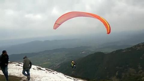 Bir Billing - Launch of Paraglider