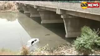रोहिणी Sec 11 नाले में तैरती कार | Rohini Sec 11 Car fallen in drain