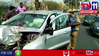 CAR HULCHUL IN KBR PARK , BANJARA HILLS | CAR HITS DIVIDER | Tv11 News | 11-03-2018