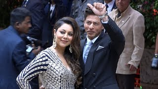 Shahrukh Khan & Gauri Khan GRAND ENTRY At Mukesh Ambani's Son Akash Ambani's Engagement Party