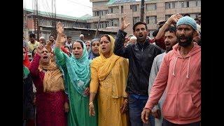 New born dies, protests in Lal Ded hospital Srinagar