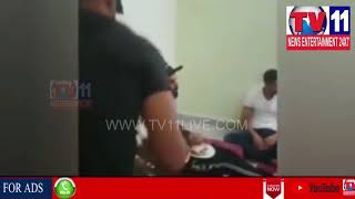 RCB CAPTAIN VIRAT KOHLI HAVING DINNER AT MAHAMMED SIRAJ'S HOUSE IN HYD | Tv11 News | 08-05-2018