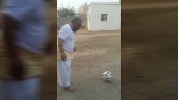 Great football skil by old man