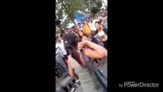 Delhi Girls Badly Fighting on Road (Must Watch)