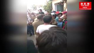 Agra tanjgunj police misbehave with public at uttarpradesh