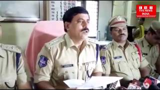 Police arrested a fake income tax officer in Hyderabad