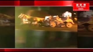 HYDERABAD के सिद्दाम्बर बाज़ार में ट्रक और घोडा बग्गी की आमने सामने की टक्कर मोकेपर घोड़ो की मौत