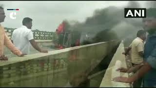 Maharashtra Bandh: Protesters set ablaze a truck in Aurangabad; demands reservation