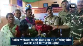 Dreaded Naxal surrenders in Jharkhand