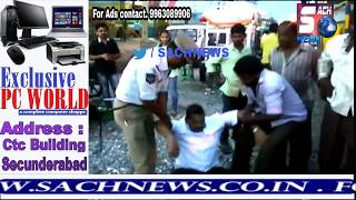 Man Acts Of Getting Heart attack In Front Of Police At Lb Nagar Road | @ SACH NEWS |