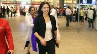 Sunny Leone Spotted At The Airport With Her Cute Baby! video