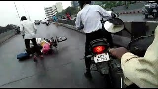 Vehicles Skid On The Roads OF Hyderabad | Oil Falls On Road | At Secretariat Road And IMax Road |