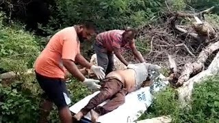 Admi Ko Mar Kar Uski Lash Ko Foot Ball Ground Mein Pheak Diya Gaya   In Sec-bad Tirumalgiri  