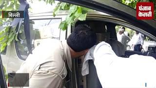 अवैध शराब की पेटियों से भरी कार का एक्सीडेंट