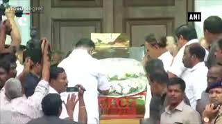 Tamil Nadu CM & Dy CM pay last respects to Karunanidhi at Rajaji Hall