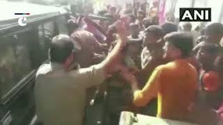 Kanwarias vandalise police vehicle in UP's Bulandshahr