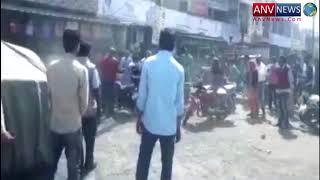 पुलिस और व्यापारियों के बीच बढ़ा विवाद तो चल गईं लाठियां