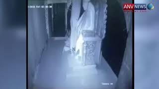 दिल्ली के साईं मंदिर में हुई चोरी , CCTV में कैद हुई वारदात