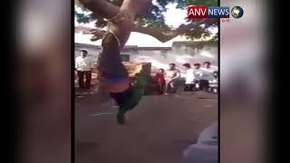 महिला को साथ ले जाने वाले युवक की पेड़ से लटका कर लोगो ने बुरी तरह की पिटाई देखिये