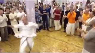 Foreigners Dancing On Hare Rama Hare Krishna Hip-Hop Awesome Must Watch