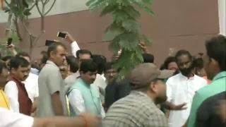 Shri Amit Shah unfurls the National Flag at BJP Head Office, New Delhi
