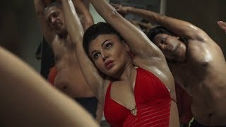 International Yoga Day: Rakhi Sawant practices yoga at 40 degree celsius | JanSangathan Tv