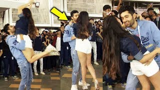 Genius Actors Utkarsh And Ishita ROMANTIC Dance In Front Of College Students | Umang Festival