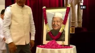 Prez Kovind pays floral tribute to former Prez Dr Shankar Dayal Sharma