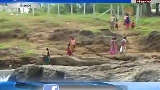 Students crossing river at the risk of their lives