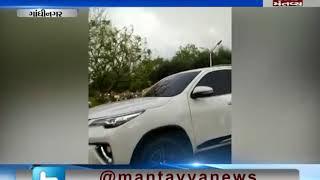 police stopped Hardik patel and JIgnesh mevani's car Gandhinagar