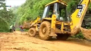 Kerala floods: Restoration of damaged roads underway in Munnar