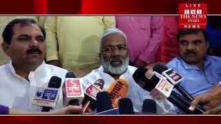 [ Jhansi ] अटल जी की अस्थि कलश यात्रा झाँसी के सर्किट हाउस से प्रारंभ होकर मुक्ताकाशी मंच लाई गई