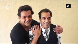 "Dharmendra & sons share light moments during ""Yamla Pagla Deewana Phir Se""promotions"