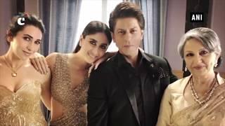 """SRK poses with """"elegant ladies"""" Kareena, Karisma & Sharmila Tagore"""