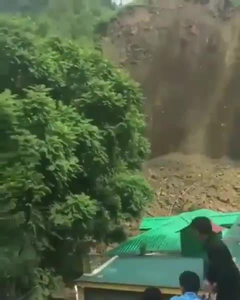 Land Slide at Dhundiyara Chamba Pathankot Highway