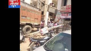 પાલનપુર ર્ડો હાઉસ માં ટ્રકની બારેક ફેલ થતા થયો અકસ્માત